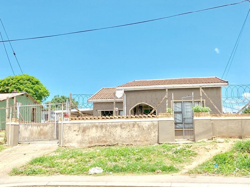 Property For Sale in Umlazi F, Umlazi 8
