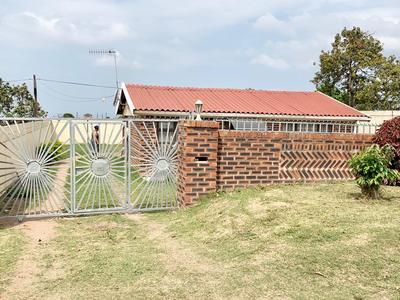 Property For Sale in Ntuzuma E, Ntuzuma