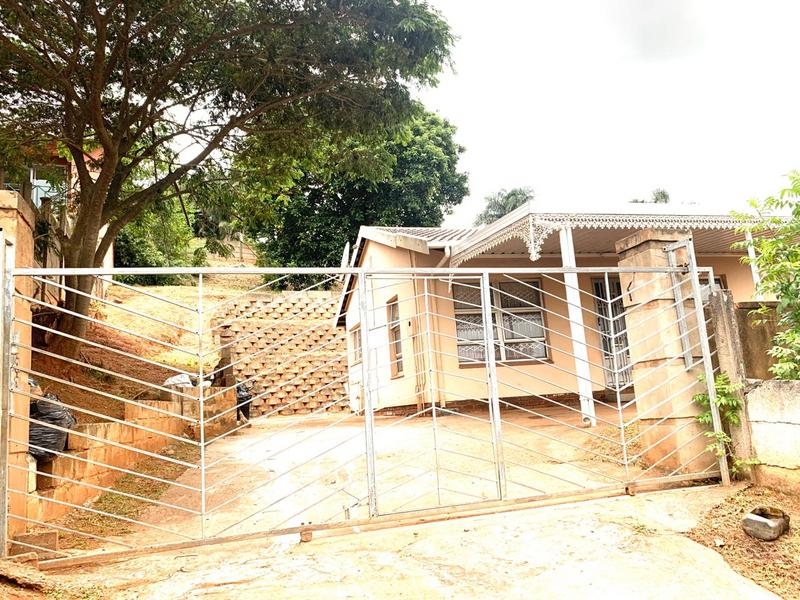 Property For Sale in Montclair, Durban 8