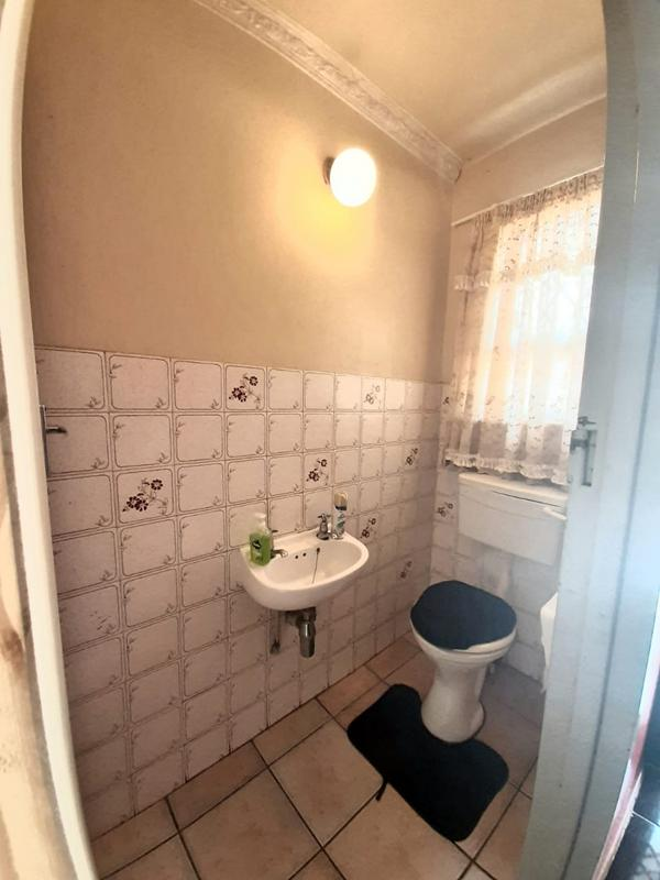 Property For Sale in Newlands West, Newlands 19