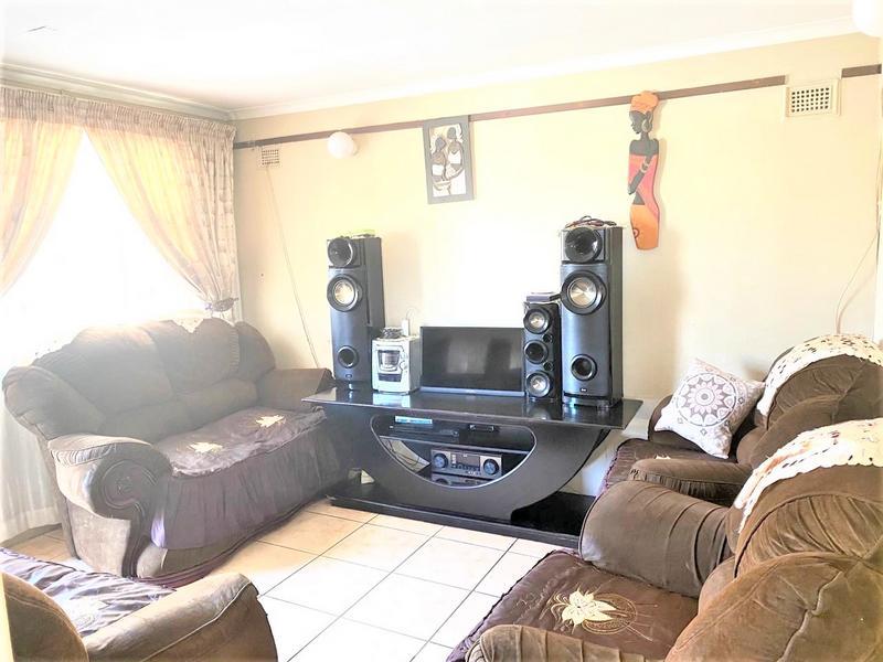 Property For Sale in Umlazi U, Umlazi 6