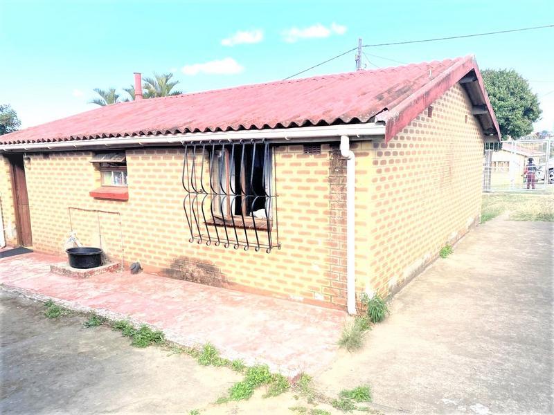 Property For Sale in Umlazi P, Umlazi 5