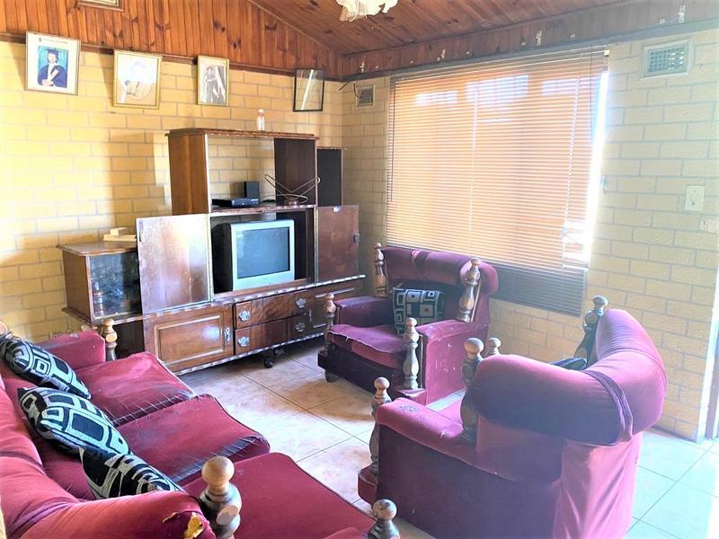 Property For Sale in Umlazi P, Umlazi 4