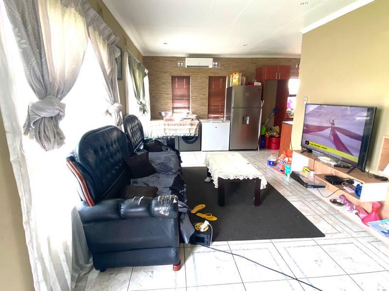 Property For Sale in Kwa-Mashu, Kwa-Mashu 6
