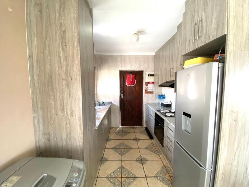 Property For Sale in Umlazi N, Umlazi 4