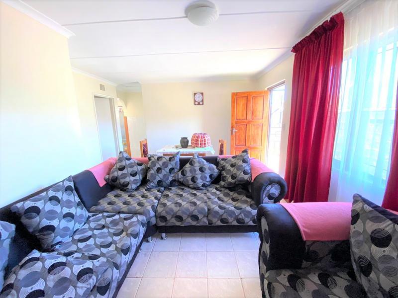 Property For Sale in Umlazi R, Umlazi 6