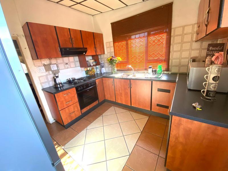 Property For Sale in Kwa-Mashu D, Kwa-Mashu 4