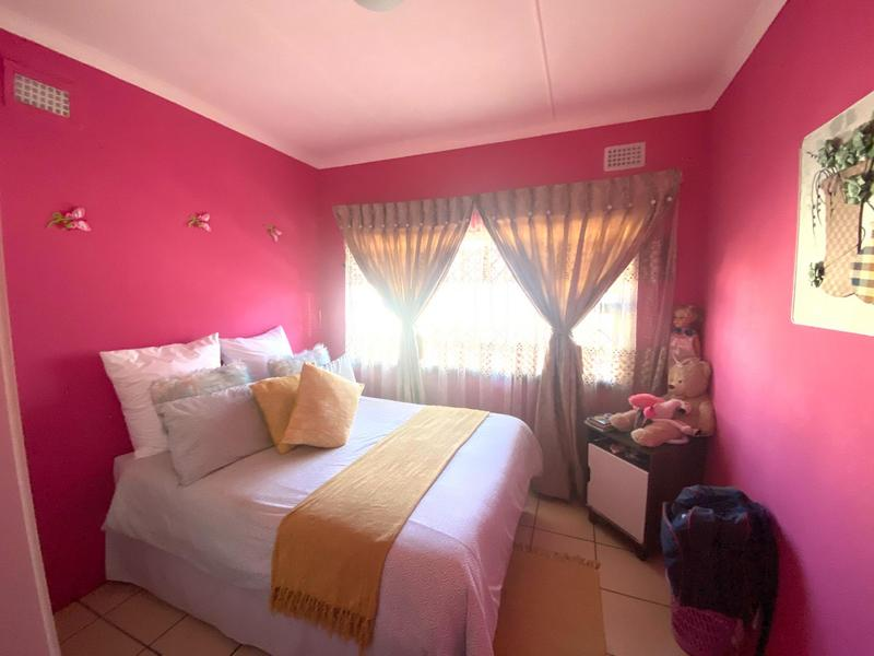 Property For Sale in Kwa-Mashu D, Kwa-Mashu 6