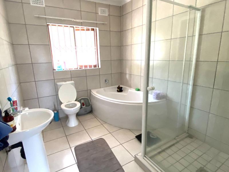 Property For Sale in Pinetown, Pinetown 9