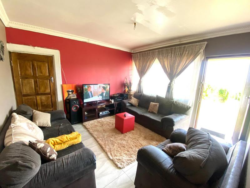Property For Sale in Illovo, Kingsburgh 4
