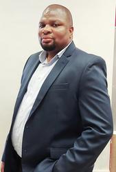 Thuba Mgenge, estate agent