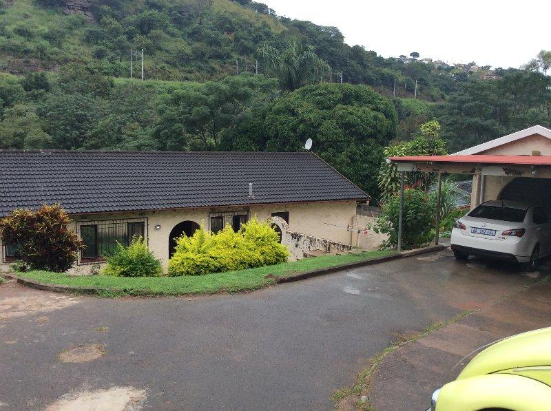 Property For Sale in Queensburgh, Queensburgh 2