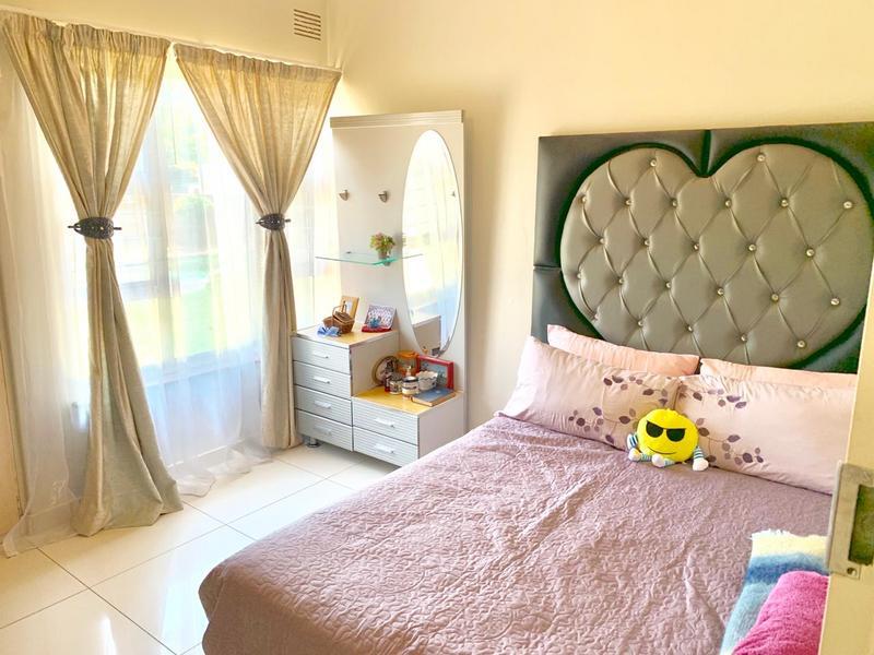 Property For Sale in Glen Anil, Durban 12