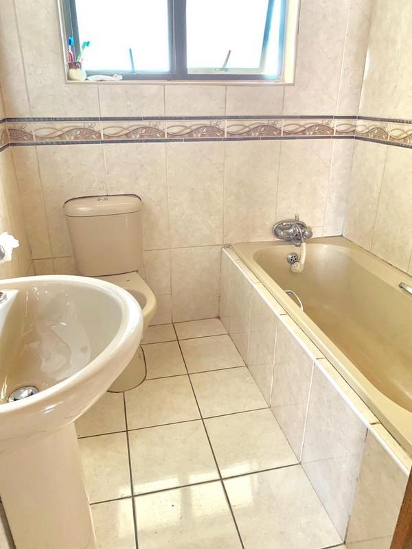 Property For Sale in Umlazi F, Umlazi 5