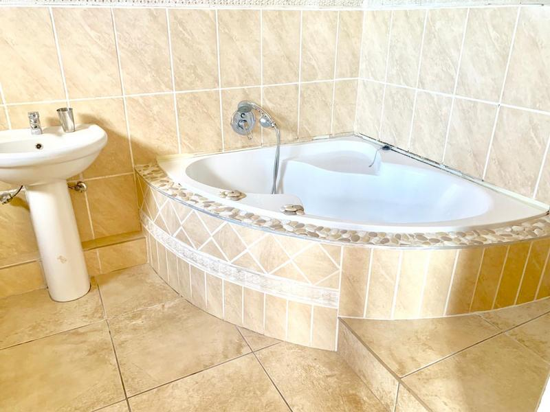 Property For Sale in Durban North, Durban 12