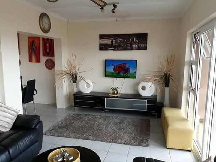 Property For Rent in Montclair, Durban 5