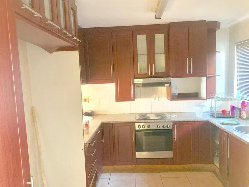 Property For Sale in Newlands West, Newlands 4