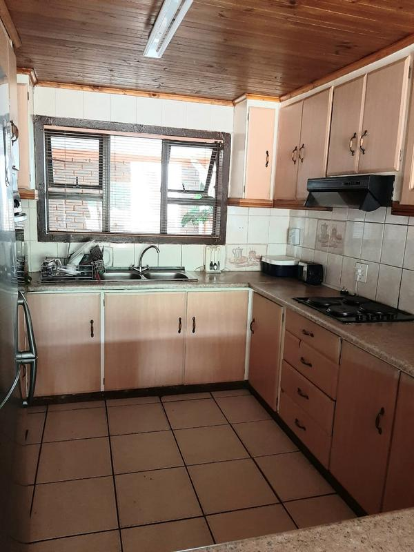 Property For Sale in Newlands East, Newlands 4