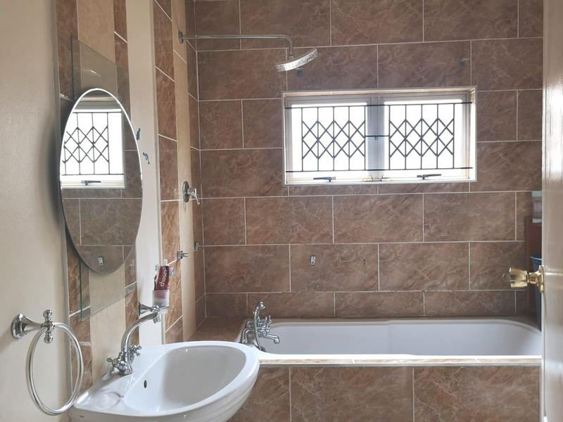 Property For Sale in Newlands West, Newlands 14