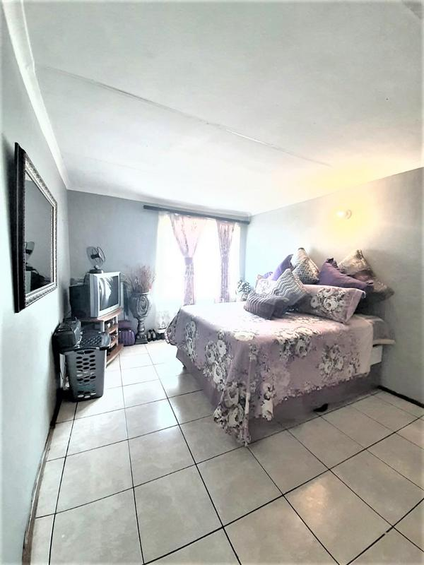 Property For Sale in Newlands West, Newlands 10