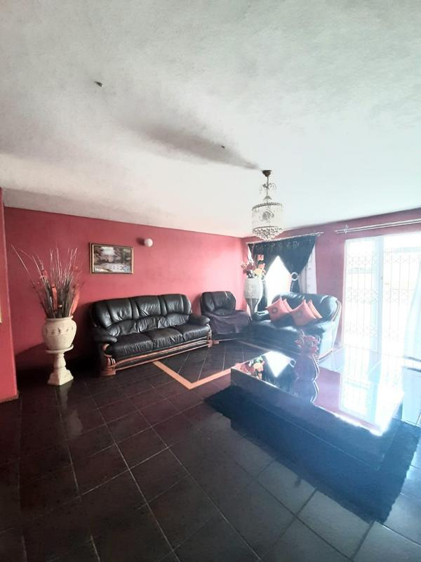 Property For Sale in Newlands West, Newlands 13