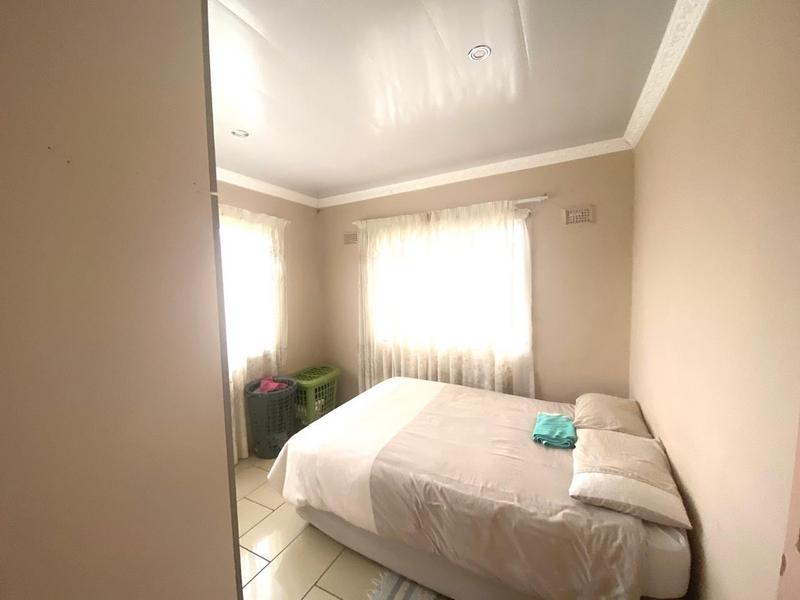 Property For Sale in Umlazi Aa, Umlazi 6