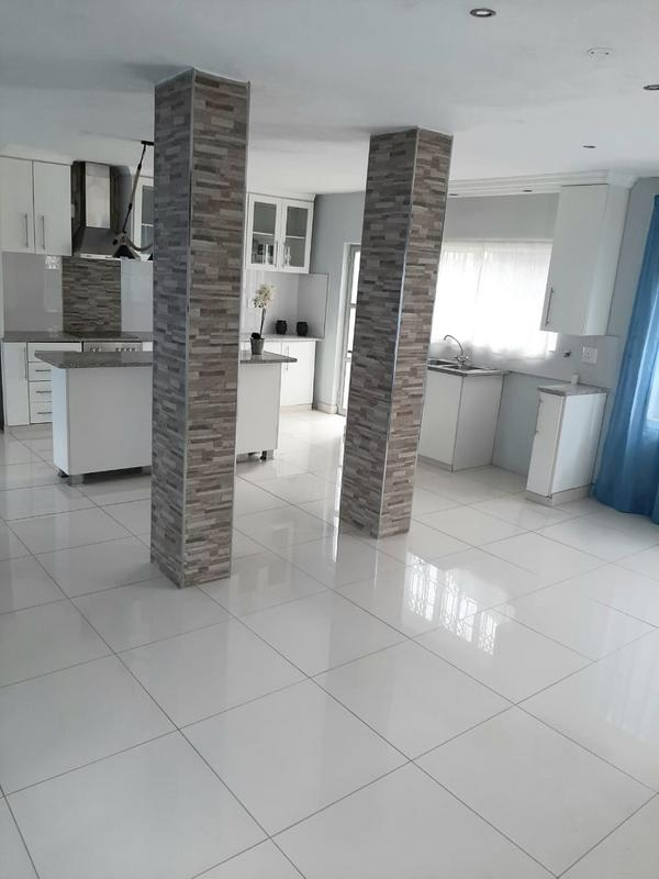 Property For Sale in Newlands West, Newlands 5