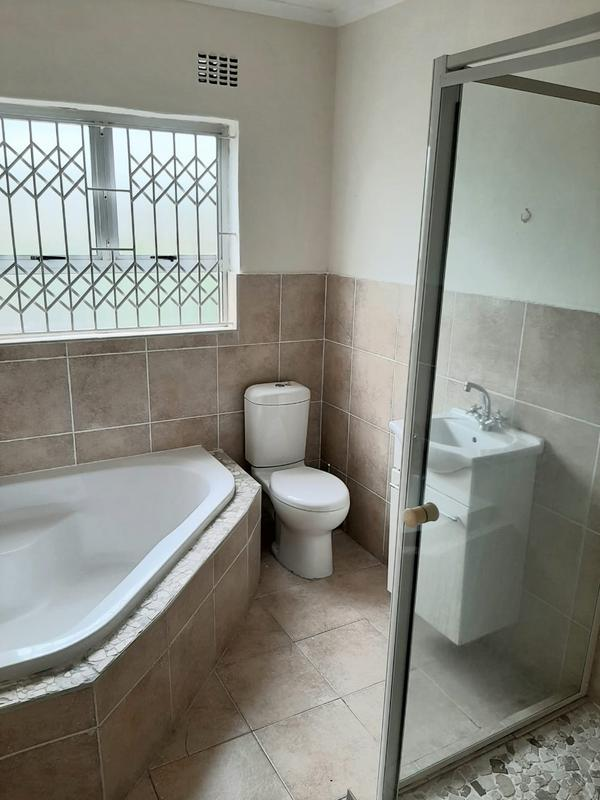 Property For Sale in Newlands West, Newlands 8