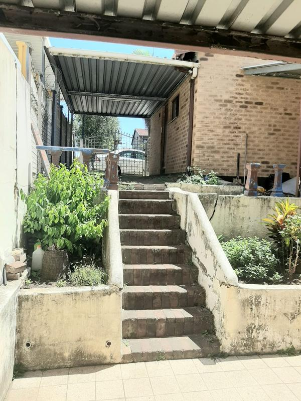Property For Sale in Newlands West, Newlands 15
