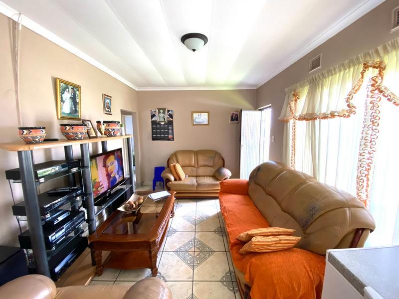 Property For Sale in Umlazi N, Umlazi 6