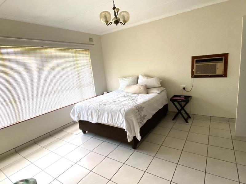 Property For Sale in Pinetown, Pinetown 8