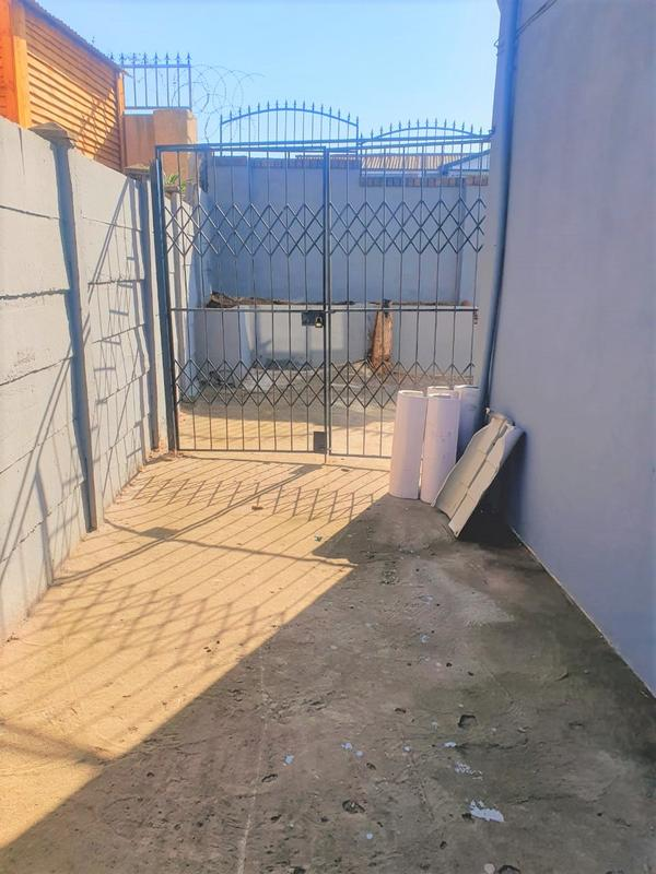 Property For Rent in Newlands West, Newlands 16